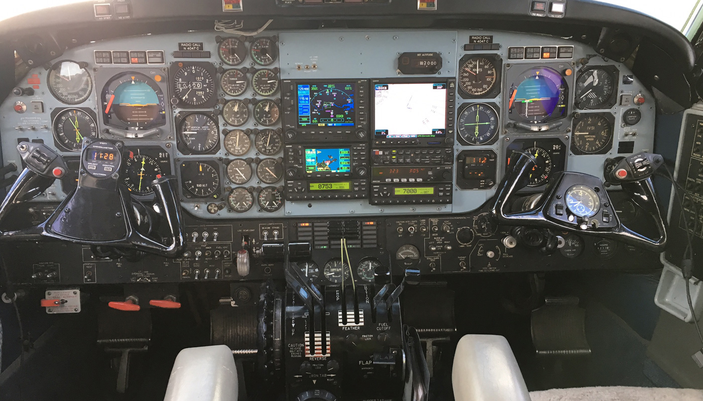 1977 Beech Super King Air Avionics Cockpitt