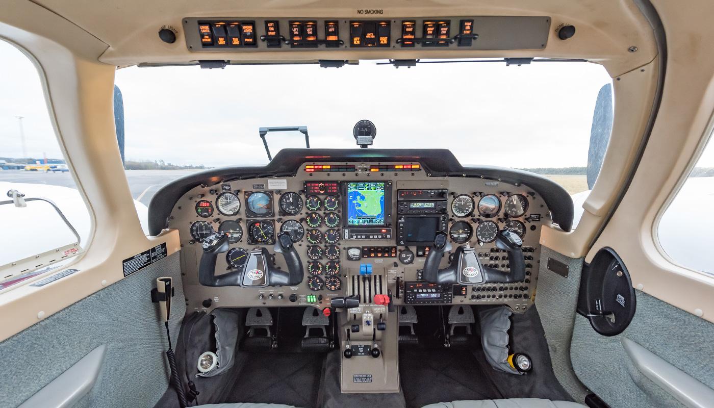 1999 Piper Seneca V Avionics