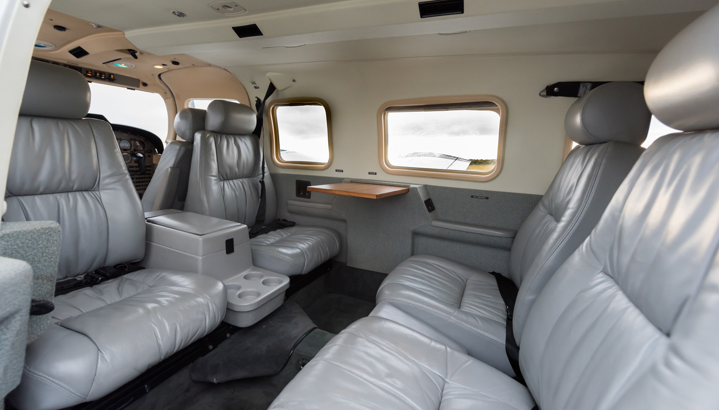1999 Piper Seneca V Interior Grey