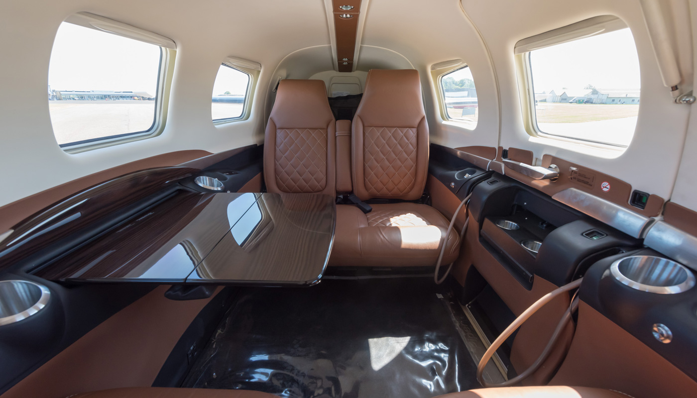 Piper-M600-Interior-EXP-cabin-in-cognac