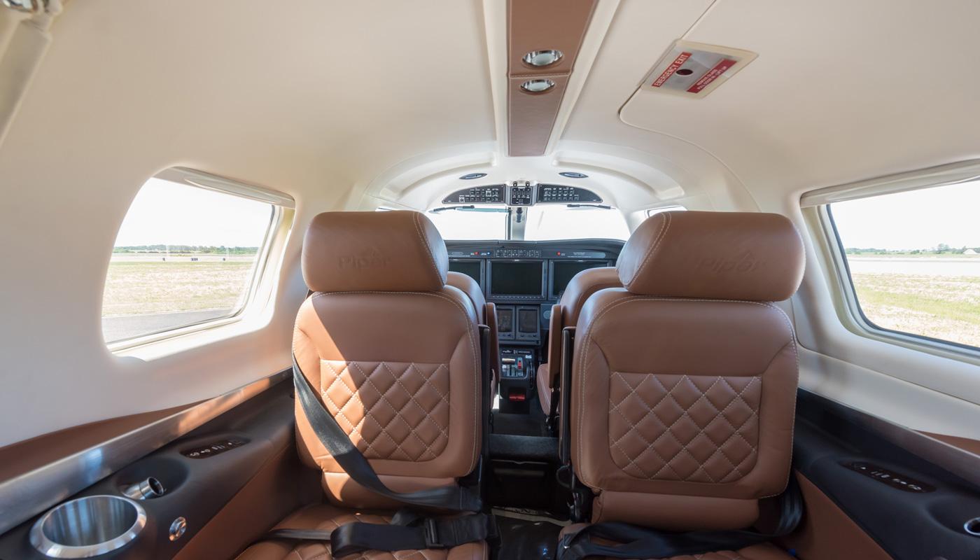 Piper-M600-N858SG-Interior