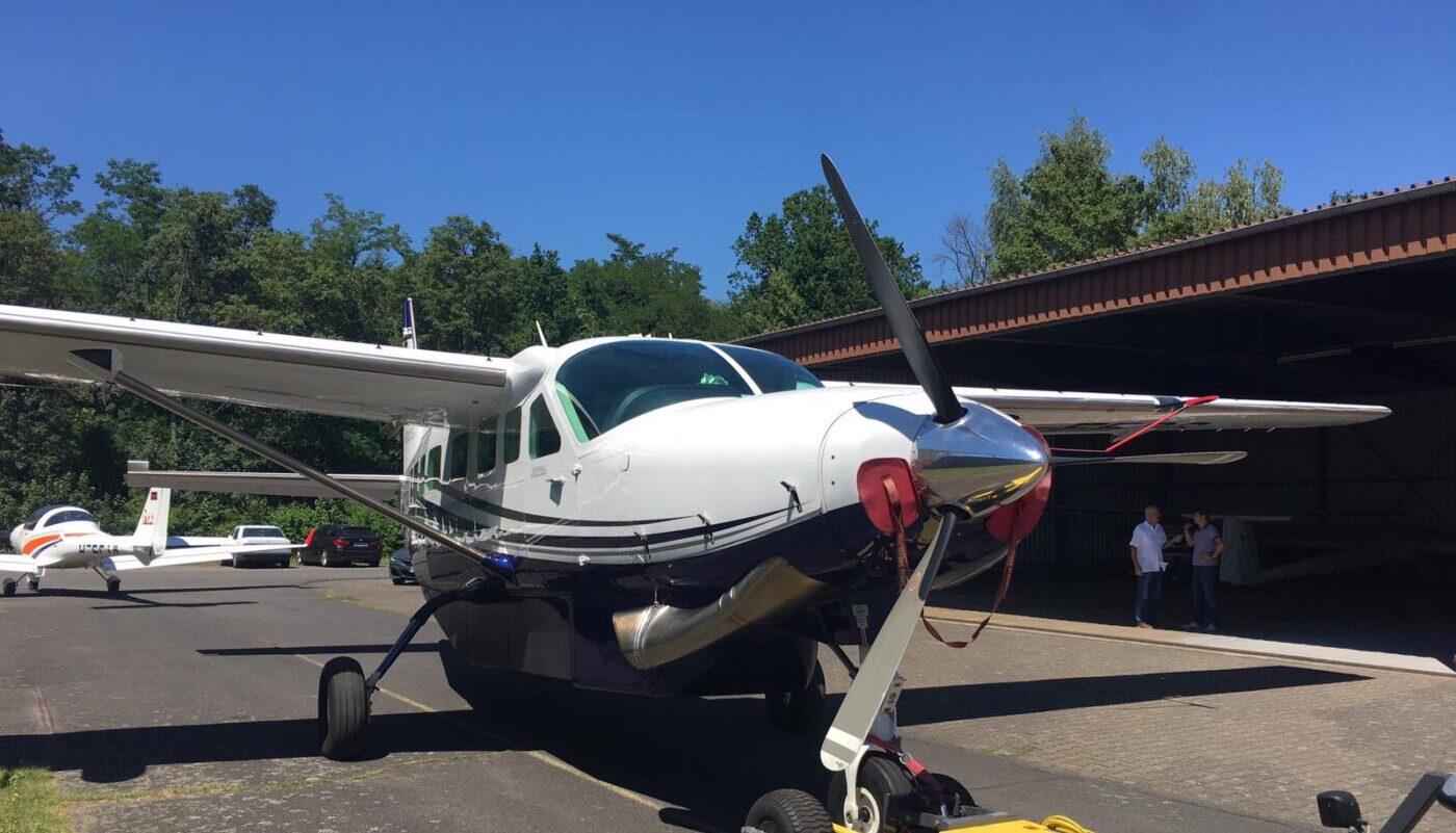 Cessna Grand Caravan, D-FROG, Front