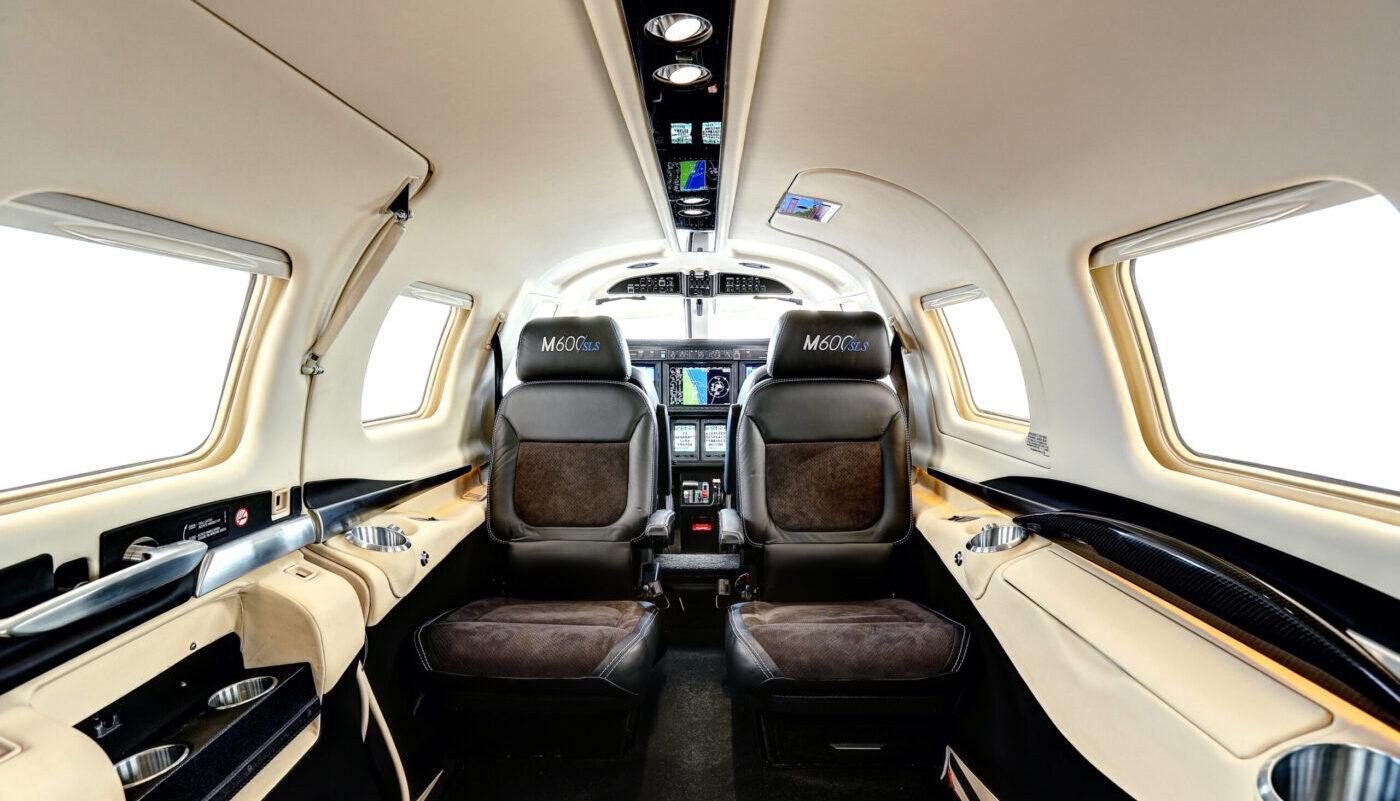 M600/SLS Interior