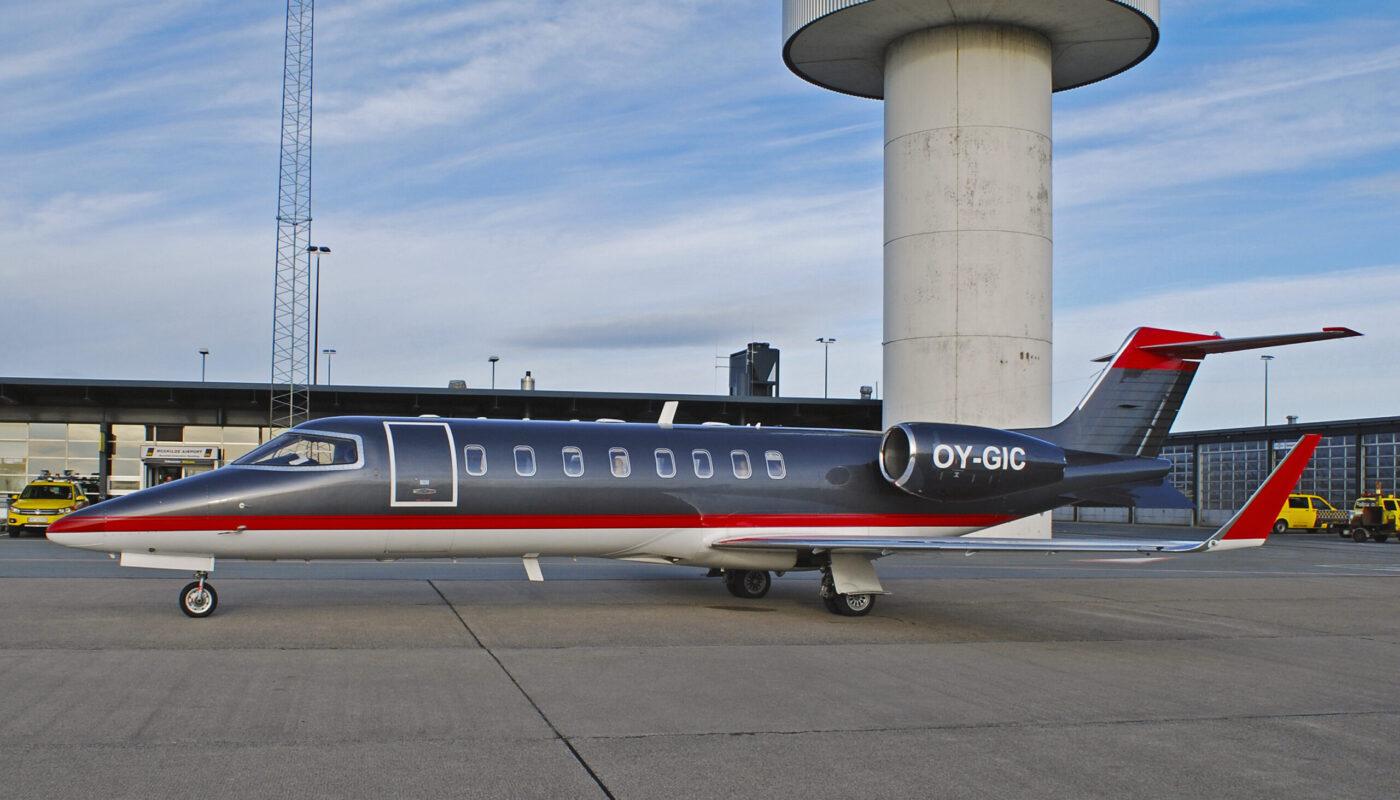 Learjet 45, OY-GIC, Left Side Full