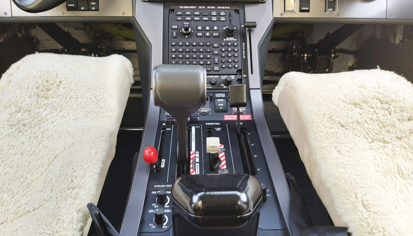 Pilatus PC-12, OO-JCV, Center Console