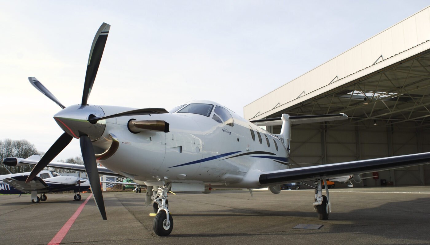 Pilatus PC-12, OO-JCV, Front Low